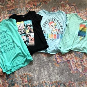 Other - T-shirt bundle 👚